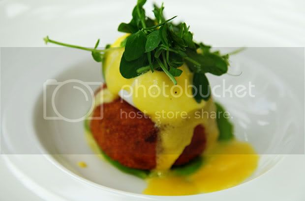 Bibury Court Hotel Restaurant,Cotswolds,England,Salmon and Herb Fishcake