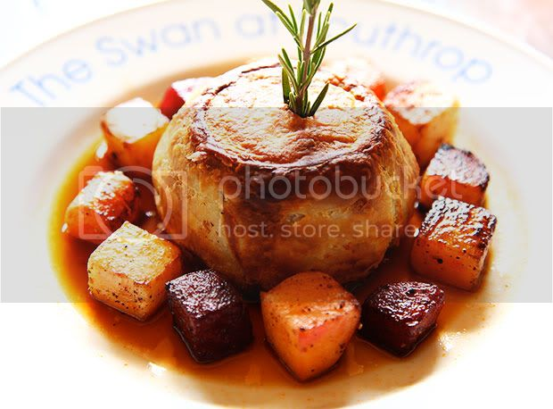 The Swan at Southrop,The Cotswolds,Steak Kidney and Mushroom Pie